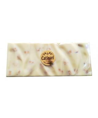 Cioccolata bianca con nocciole